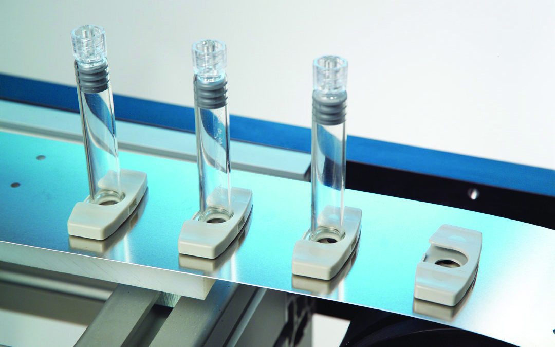 3 Reasons Why Pharmaceutical OEMs Prefer Metal Belt Conveyors
